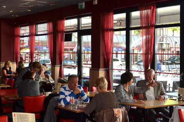Het Theehuis Lunchroom   Winkelcentrum Amstelplein